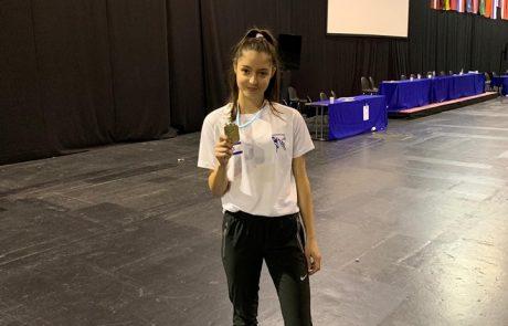 """שווה זהב: אבישג סמברג מ""""עצמה שרעבי"""" סיימה במקום הראשון באל' לטביה הפתוחה"""